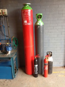 High pressure cylinders for re-test - Hydrostatic pressure testing services